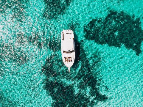 Frauen auf einem Boot